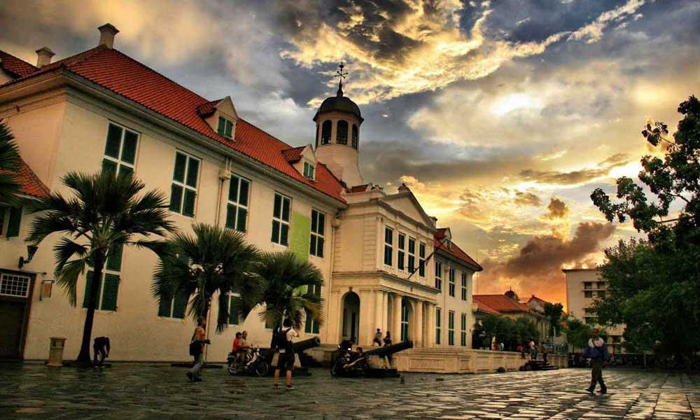 tempat destinasi wisata terbaik di kota jakarta instagramable fotografi bagus menarik paling populer terkenal favorit wisatawan turis traveler pre wedding lokasi di mana pergi ke mana