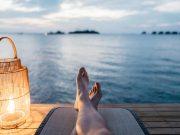 tips cara murah hemat bepergian traveling backpacker tourist destinasi tempat wisata pesan booking tiket murah keliling dunia indonesia menginap pergi ke mana tinggal stay kendaraan how to get there blogger