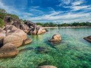 pantai tanjung tinggi tempat destinasi pariwisata spot bangka belitung terbaik paling bagus populer terkenal laskar pelangi di mana lokasi arah tujuan where to go pergi ke mana liburan dekat penginapan