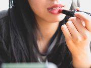 manfaat kegunaan lipstik alat perlengkapan makeup kosmetik branded merek warna shades cewek wanita pilihan sesuai jenis macam kulit cewek kecantikan beauty blogger