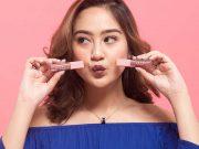 merek branded produk kecantikan makeup artist mua salshabilla adriani artis lokal indonesia bahan varian fungsi manfaat jenis macam lipstik review launching rilis peluncuran