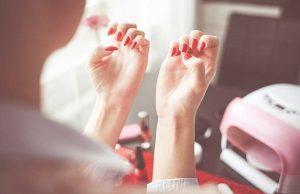 jenis macam perawatan layanan services beauty salon kecantikan spa kuku therapist beautician merek branded kapster manfaat kegunaan fungsi cara pemakaian langkah tahapan khusus cewek wanita