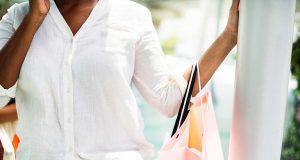 kekurangan kerugian belanja online shopping olshop penipuan modus barang paket masalah tidak sampai retur pengembalian customer service