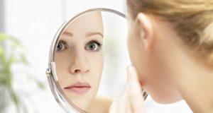 apa penyebab faktor jerawat acne therapy cara mengatasi mengobati menghilangkan treatment saran perawatan klinik kecantikan dokter estetika scar bekas pola gaya hidup makan