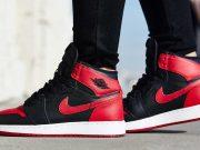 sejarah profil history nike sepatu merek fashion terkenal dunia koleksi branded populer pendiri perusahaan pabrik asli original authentic terkini pakaian sneakers