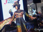 manfaat kegunaan fungsi belajar tempat kursus lembaga pendidikan sekolah modeling asmat pro yogyakarta indonesia prospek peluang kerja catwalk runway fotografi designer talent agency