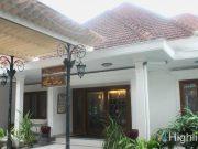 tempat objek pariwisata musem batik danar hadi kota solo surakarta jawa tengah menarik paling favorit terkenal profil sejarah budaya merek brand koleksi jenis macam
