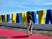 berita press release siaran pers kemenpar kementrian pariwisata terbaru terkini paling update tenun kain khas bima fashion designer