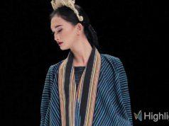 liputan event indonesia fashion week ifw 2019 kain tenun nusantara desainer lokal nusa tenggara timur ntt model koleksi baju pakaian terbaru