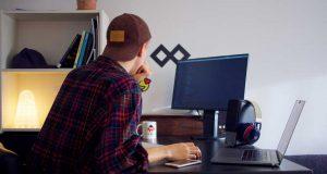 tips cara menjadi mencari pekerjaan freelance pendapatan penghasilan online situs website informasi lowongan job perusahaan full part time sukses berhasil