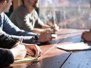 tips cara menjadi negosiastor ulung andal profesional negosiasi bisnis efektif sukses berhasil deal perjanjian kerja sama persuasi