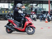 tips cara bagaimana teknik berkendara aman benar tepat safety yamaha riding academy naik motor motor di jalanan langkah tahapan praktik teori penerapan