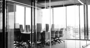 pengertian definisi arti coworking space virtual office layanan service jakarta bandung surabaya gowork manfaat fungsi kegunaan kelebihan kelemahan