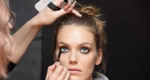 tips cara bagaimana langkah memulai membangun karier bisnis usaha makeup artist mua kecantikan salon cewek sukses berhasil jasa job order