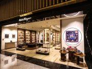 sejarah merek perusahaan fashion brand designer salvatore ferragamo italia koleksi model dunia terkenal populer sepatu wanita heels platform wedges