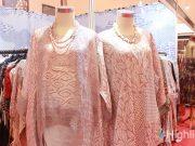 Indocraft 2019 menampilkan beragam produk lokal seperti batik dan aksesori khas Indonesia