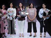 Rentique bersama desainer berpartisipasi di ajang Jakarta Fashion Week (JFW) 2020