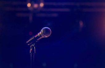 Teknik-teknik dasar public speaking agar bisa lancar berbicara di depan orang tanpa rasa grogi