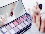 Deskripsi pekerjaan sales promotion girls (SPG) kosmetik atau beauty advisor karier profesi