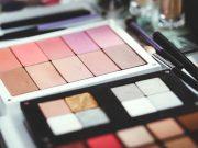 Proses makeup artist (MUA) untuk produksi film layar lebar profesi pekerjaan cakupan jasa layanan