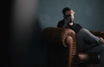 Pengertian definisi arti depresi gejala penyebab depresi cara mengobati menyembuhkan mengatasi psikolog psikiater