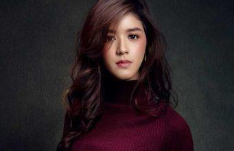 Profil Jeanatasia Kurnia Sari Puteri Indonesia Jawa Barat perjalanan karier pengalaman