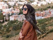 Gaya pose foto hijaber selebgram artis selebriti cantik insipirasi fashion ootd bisa kamu tiru