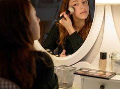 Manfaat kegunaan fungsi bedak wajah foundation produk makeup kecantikan cara pemakaian