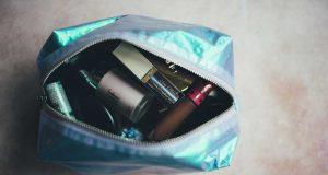 Jenis macam perlengkapan alat makeup produk kosmetik ke kampus sekolah