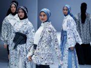 ETU by Restu Anggraini menampilkan koleksi busana muslimah di Jakarta Fashion Week (JFW) 2021