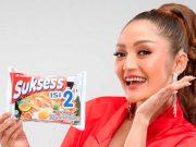 Penyanyi dangdut Siti Badriah didapuk menjadi Brand Ambassador Mie Sukses's Isi 2 terbaru